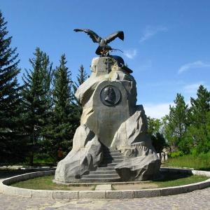 Памятник Пржевальскому на берегу Иссык-Куля
